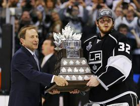 Garry Bettman in Dustin Brown