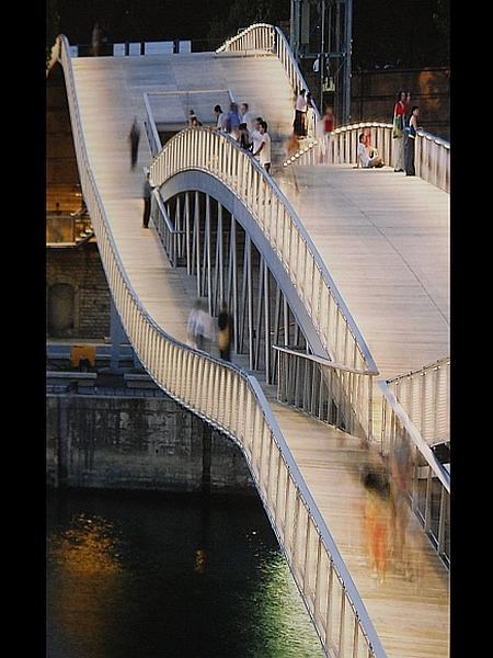 Feichtinger Architectes: Most za pešce Simone de Beauvoir (Pariz)