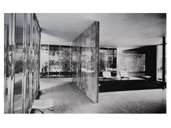 Paviljon Miesa van der Rohea