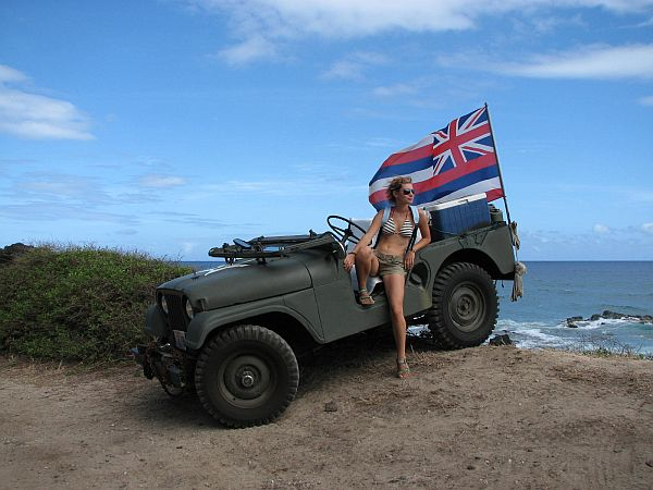 Džip s havajsko zastavo