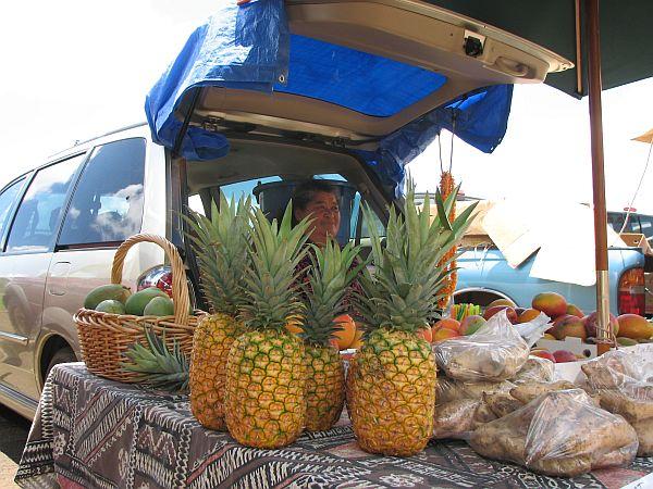 Prodajalka na tržnici na Kauaiju